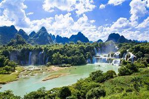 GREETING IN VIETNAM